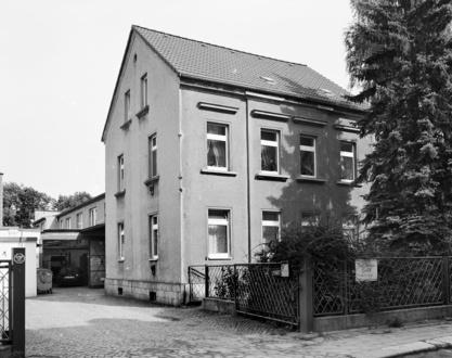 Karl Spranger – Maßkorsett- und Wäschefabrik in Roßwein*