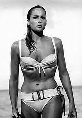 Ursula Andress im Bikini