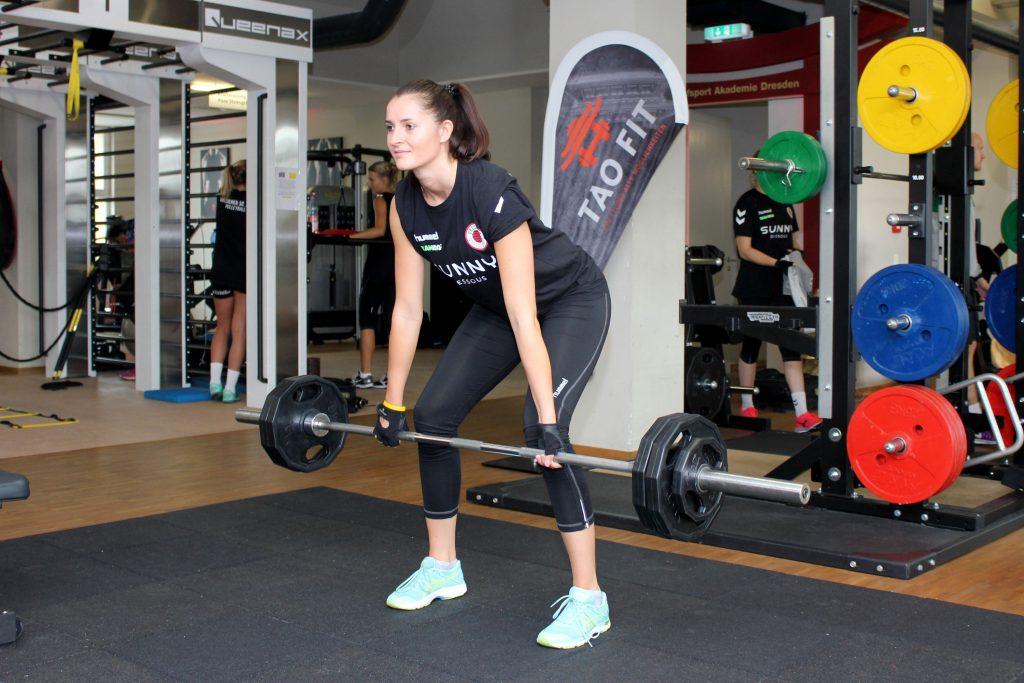 Eva Hodanová im neuen Trainingsshirt