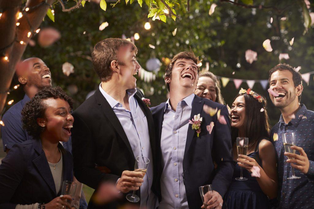 Schwules Pärchen feiert Hochzeit