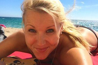 mareen_apitz_genießt im Bikini sonne und meer