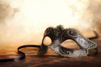 Masken sind ein beliebtes Utensil für erotische Rollenspiele