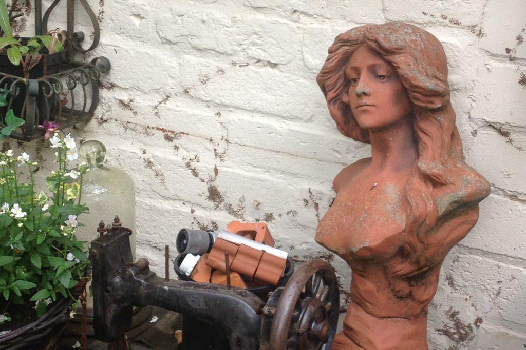 Terrakotta-Figur