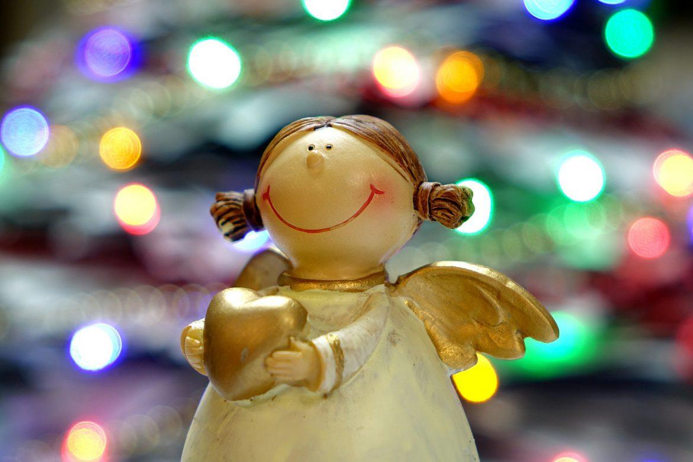 Weihnachtsengel mit Herz