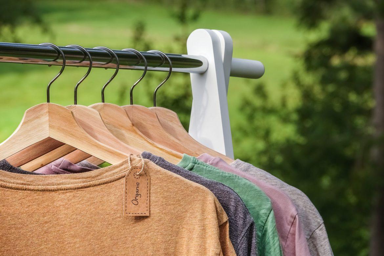 T-Shirts an Kleiderstande