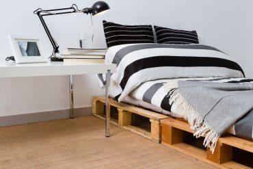 Bett aus Palettenholz