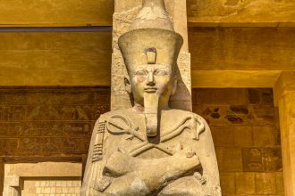 Statue von Hatschepsut im Tal der Könige